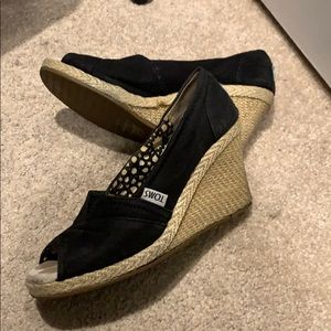FREE- Toms wedges